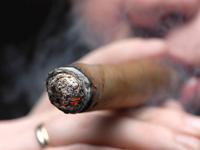 Как правильно курить сигары