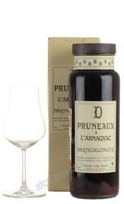 Спиртной напиток с плодами сливы Pruneaux a L Armagnac Dartigalongue